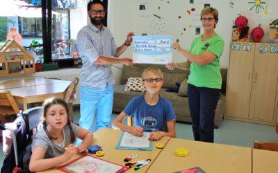 Anders Physiotherapie spendet 300 € für die Kurpark-Schule